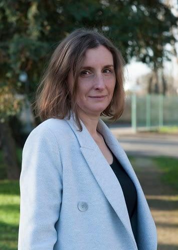 Cécile LARCHERES